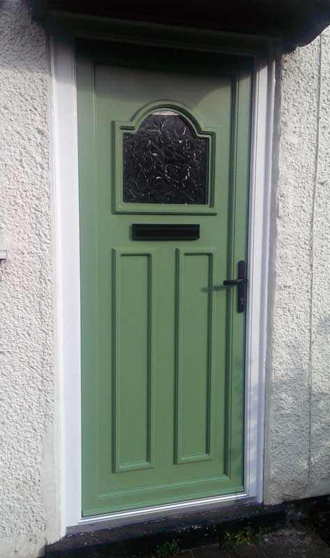 Chartwell Green Sprayed leaf and panel in White frame